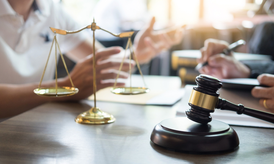 How Much Does a Personal Attorney Cost?
